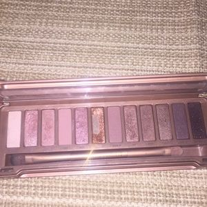 Naked 3 urban decay eye shadow palette